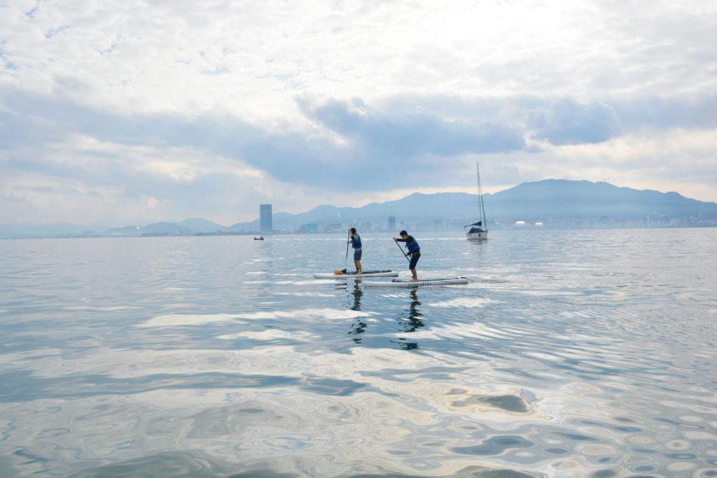 遠くに琵琶湖を代表する港、大津港が見えます!